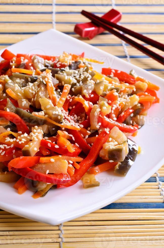 legumes em estilo asiático foto