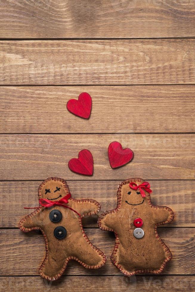 brinquedos têxteis em forma de pão de gengibre no dia dos namorados foto