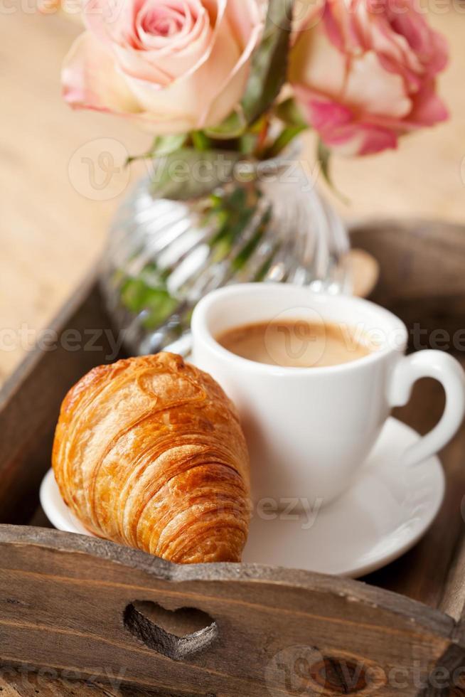 café da manhã romântico foto