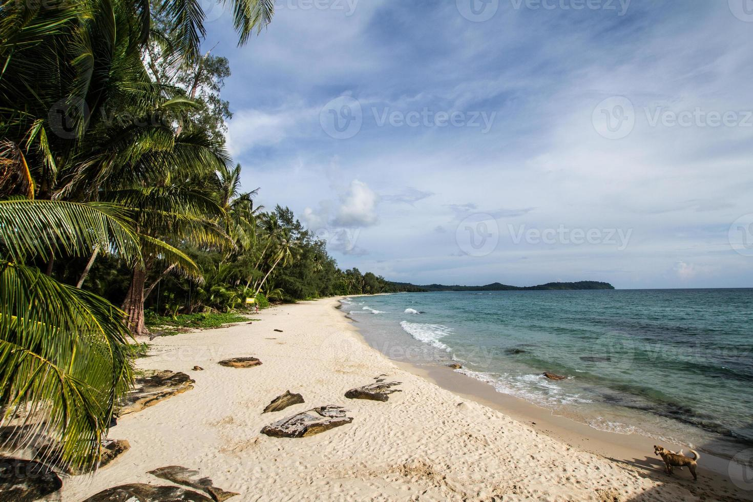 praia da ilha de ko kuht ou ko kood na Tailândia foto