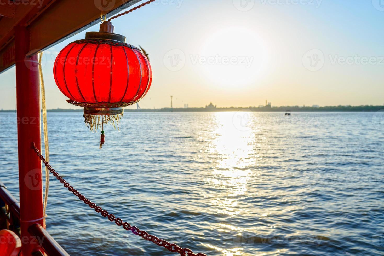 Rio Songhua e lanterna chinesa foto