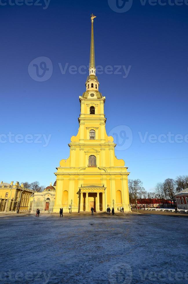 torre sineira da catedral de pedro e paul foto