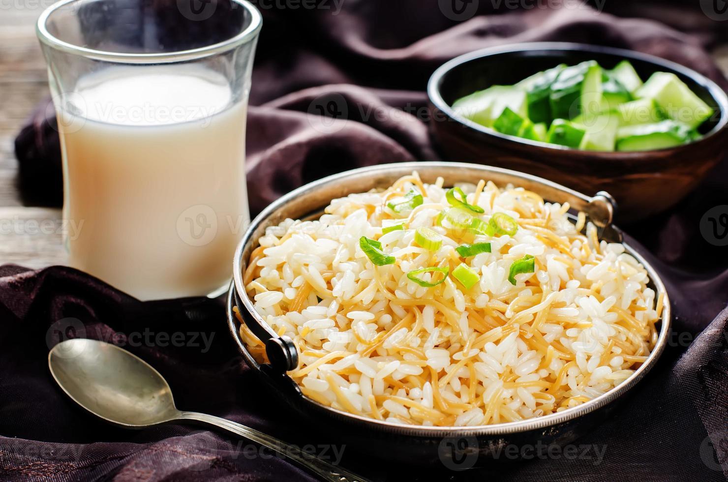 arroz com aletria foto