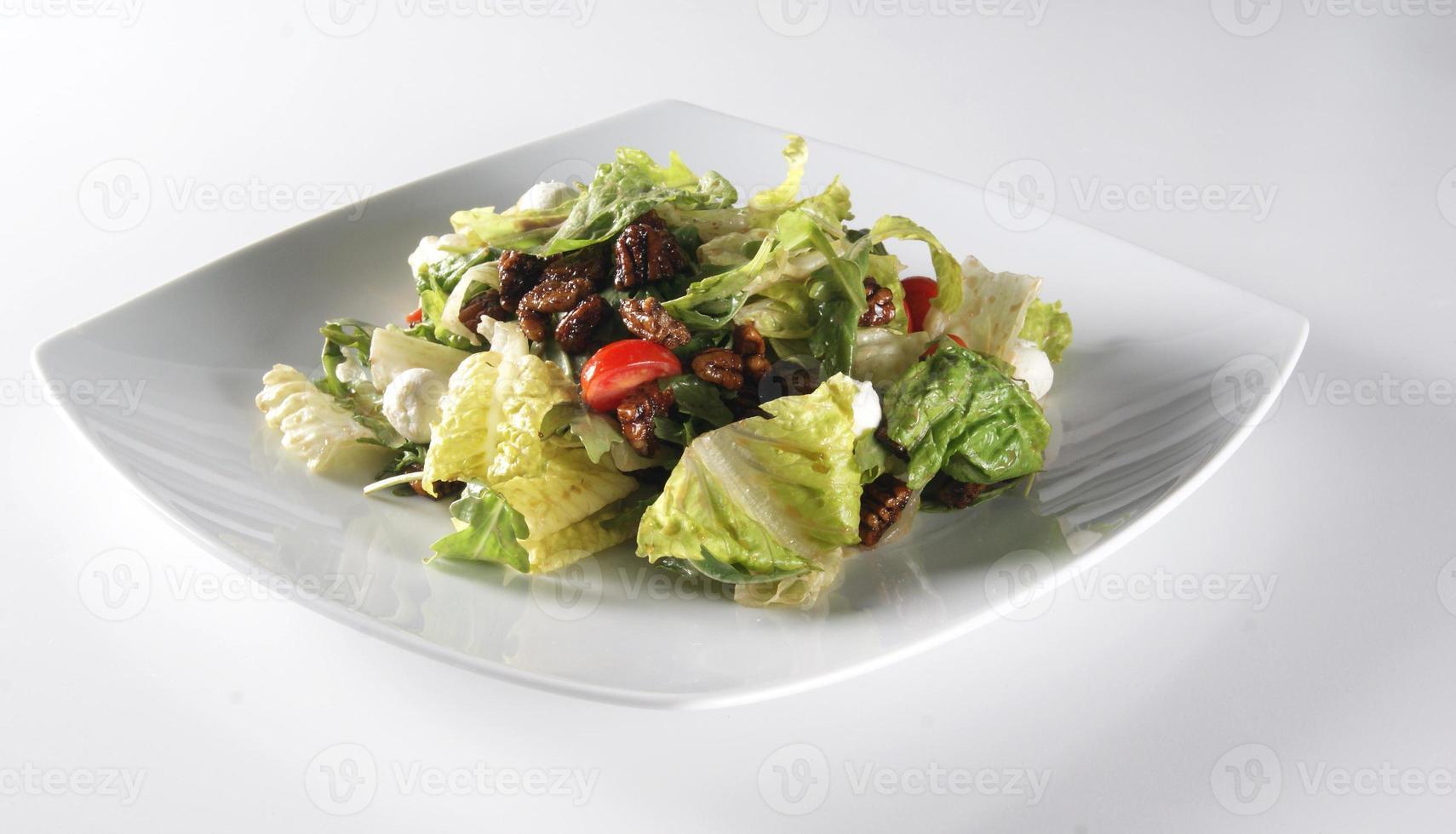 salada com nozes foto