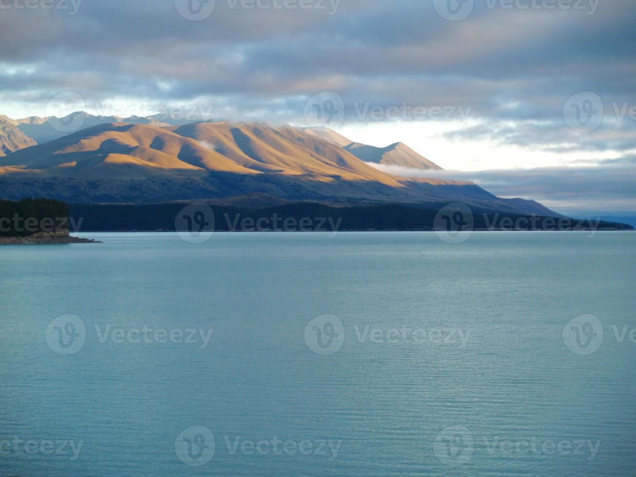 paisagem alpina na nova zelândia foto
