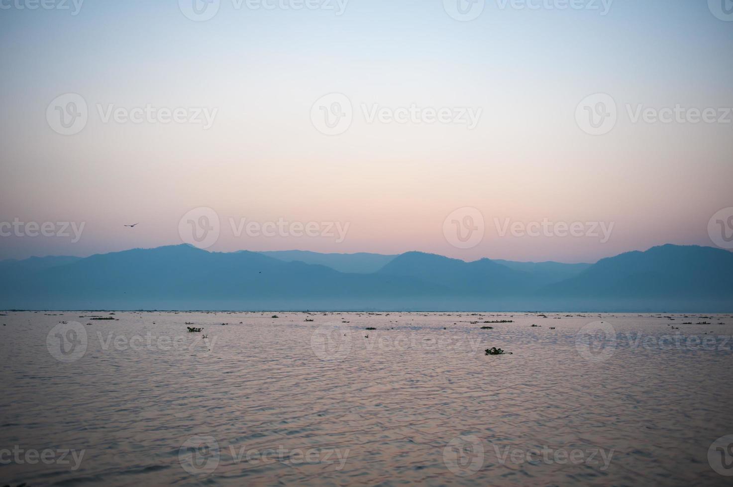lago de myanmar foto
