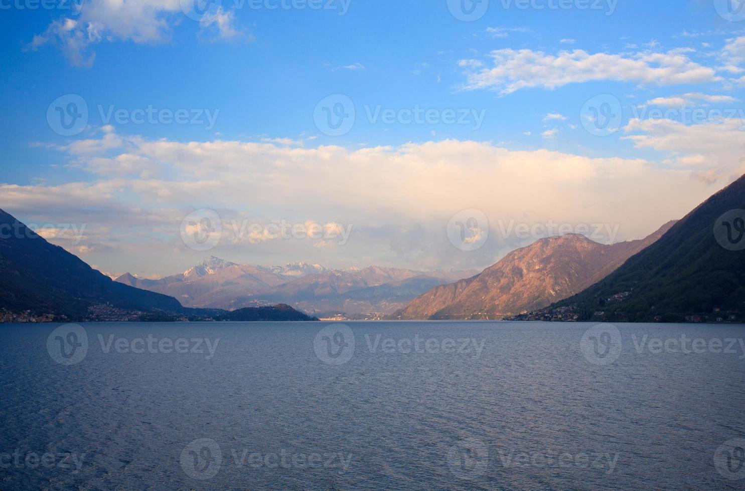 lago lugano ou lago ceresio foto