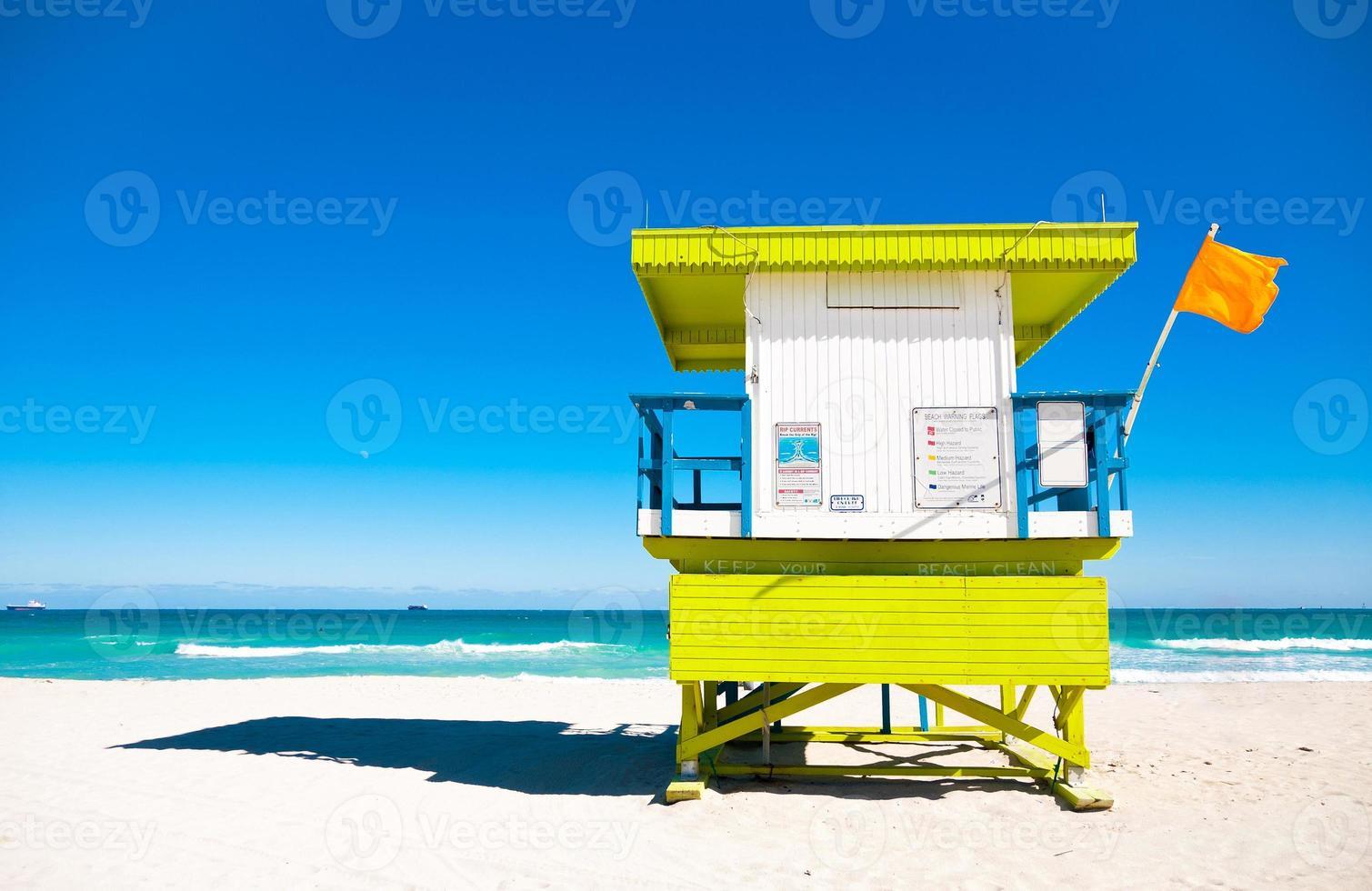 torre de salva-vidas em miami beach, flórida foto