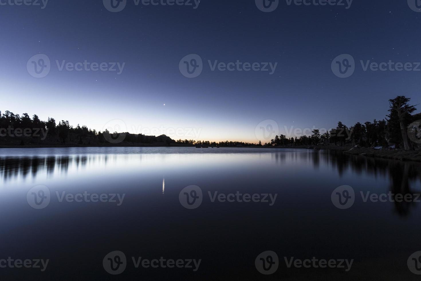 cirque lago amanhecer foto