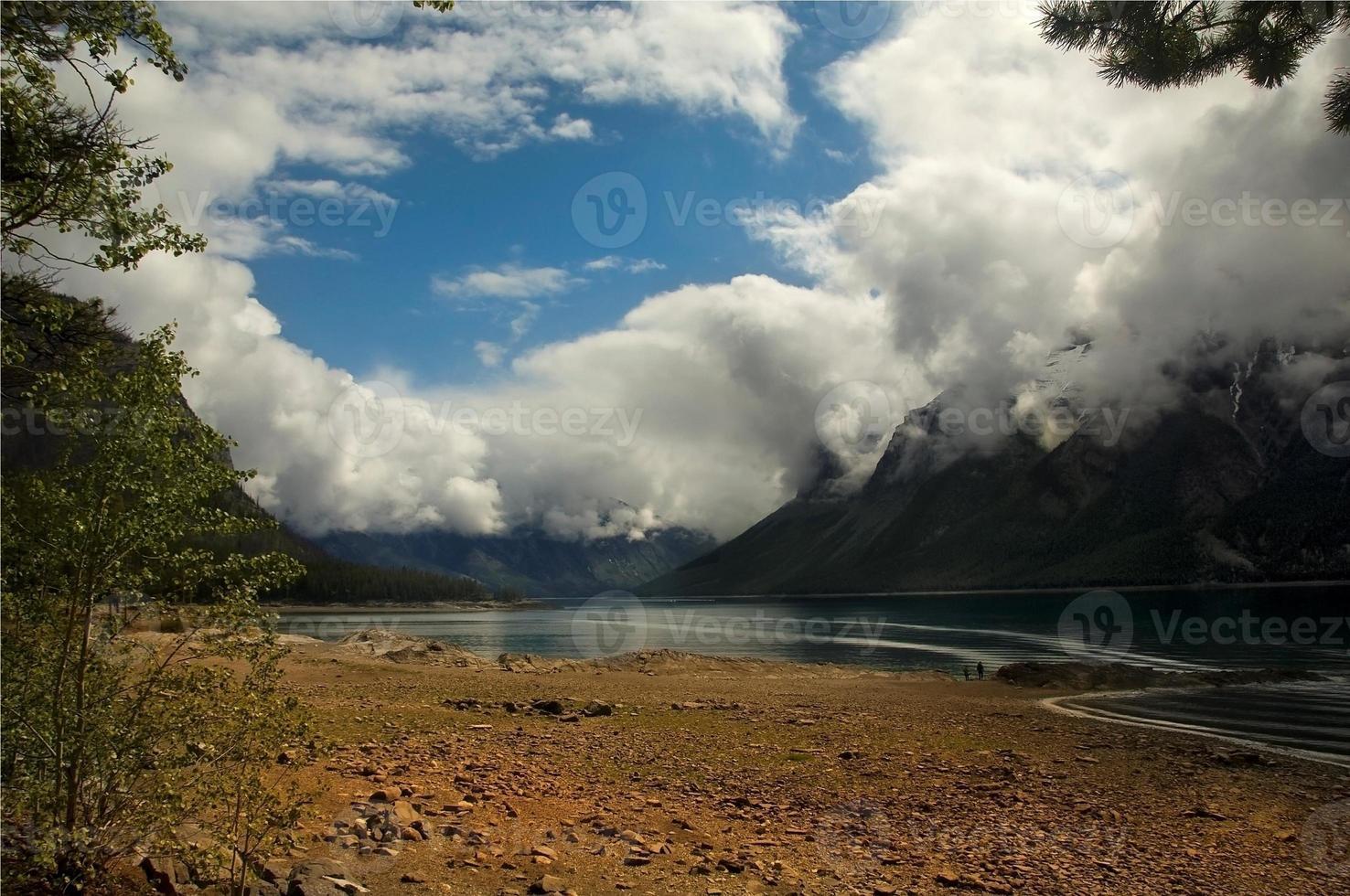 Lake Agnes. Canadá foto