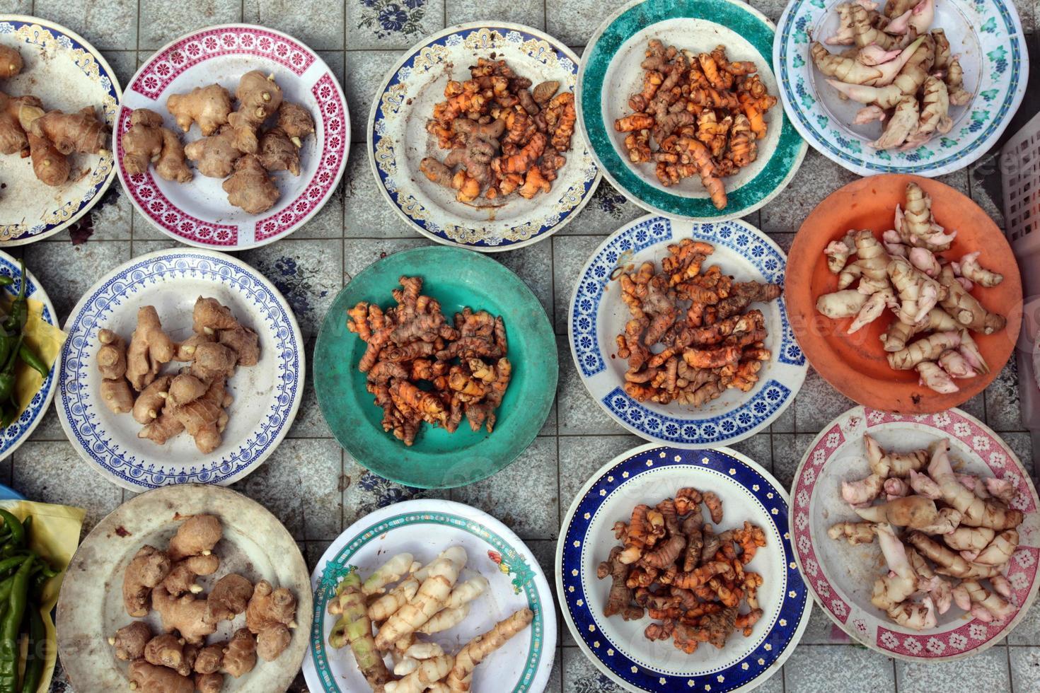 ásia brunei mercado alimentos especiarias foto
