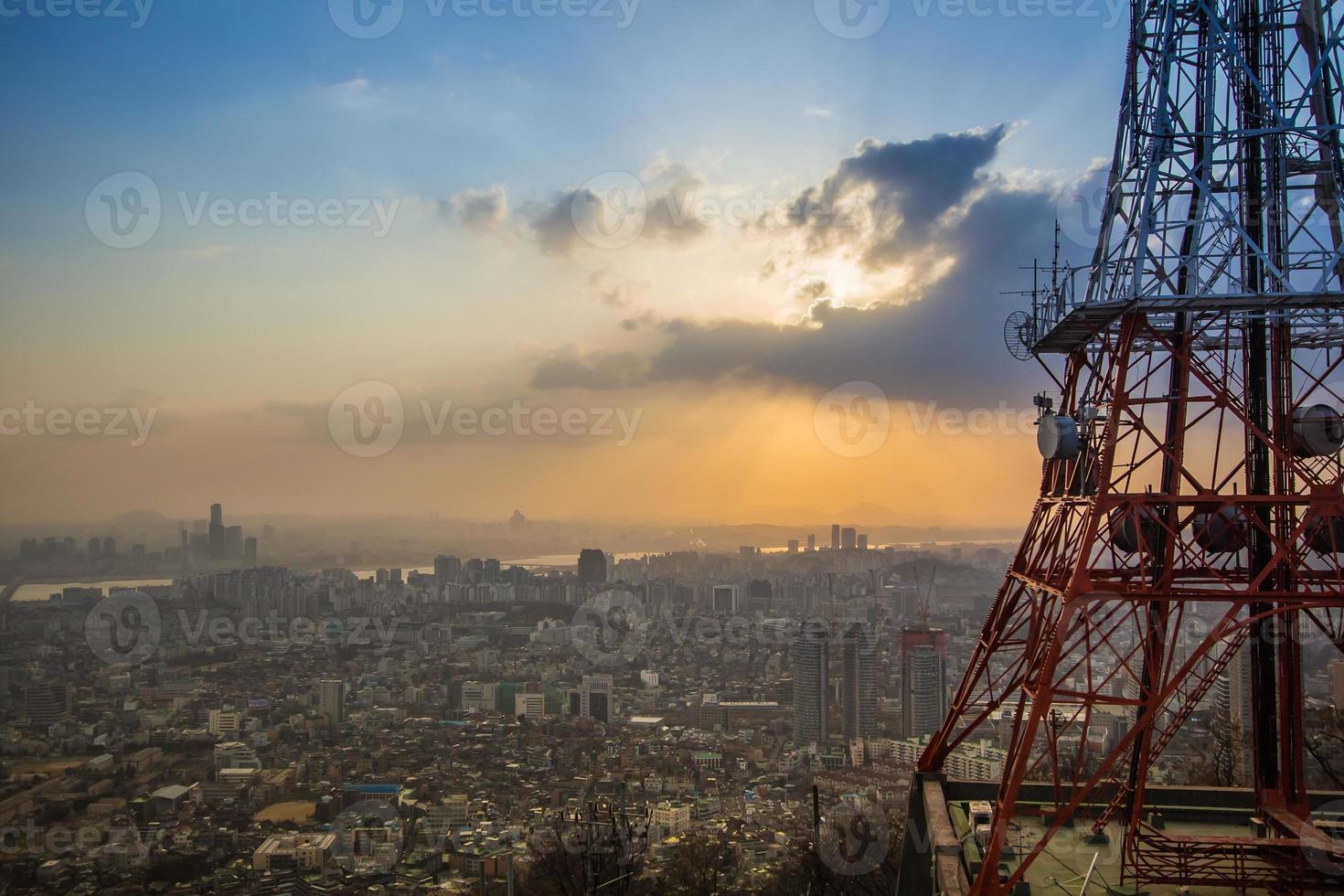 vista da cidade de seul na torre n seoul na coreia do sul foto
