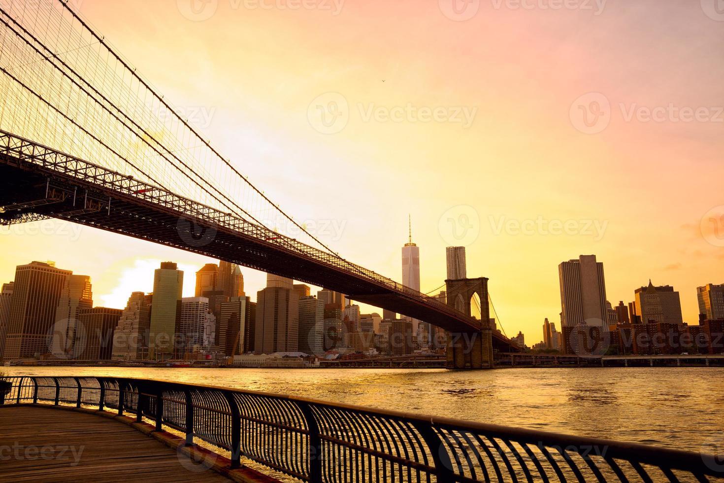 ponte de brooklyn pôr do sol foto