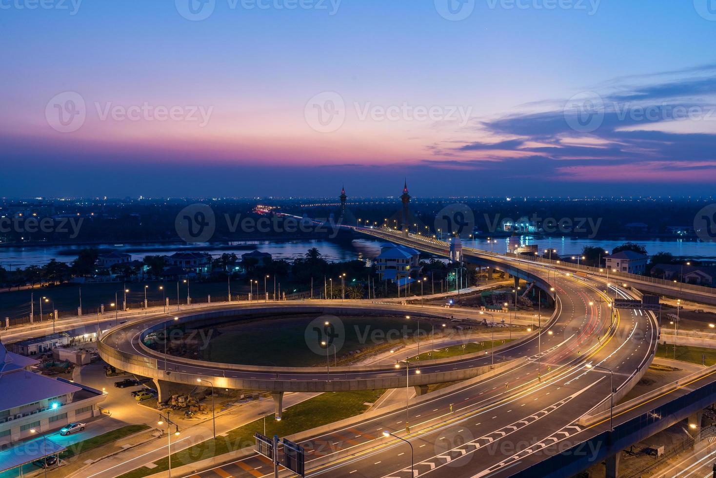 paisagem urbana no meio de bangkok, Tailândia foto