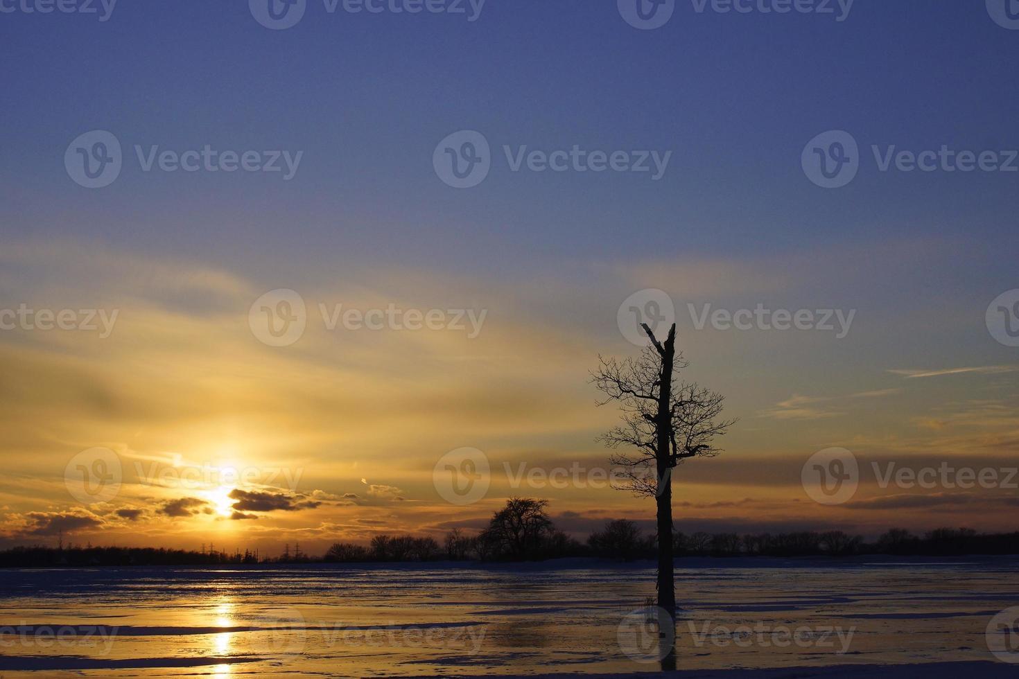 por do sol azul gelado foto
