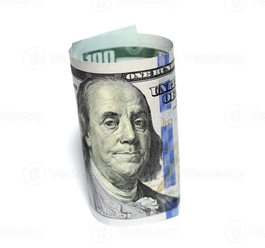 cem novos dólares em fundo branco foto