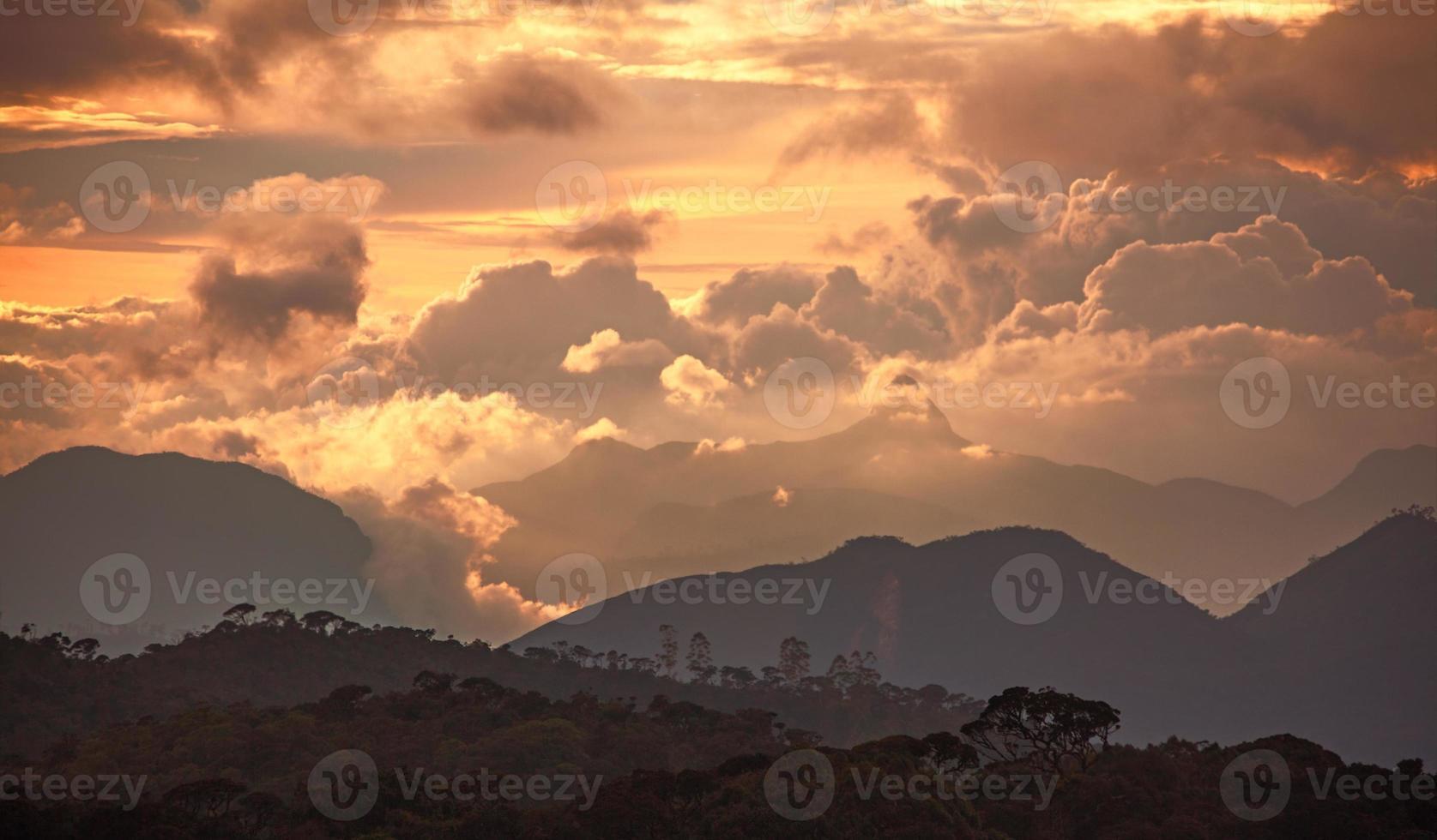 adam peak sunset foto