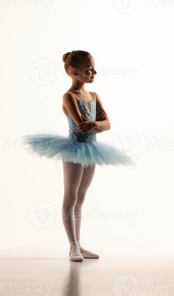 menina de balé em tutu foto
