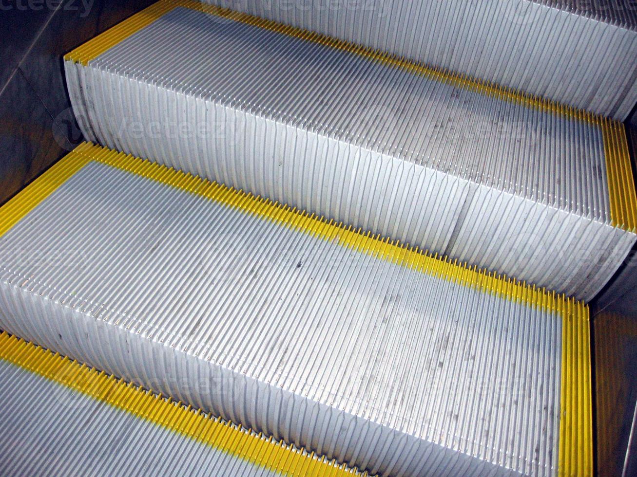 close-up de escada rolante foto