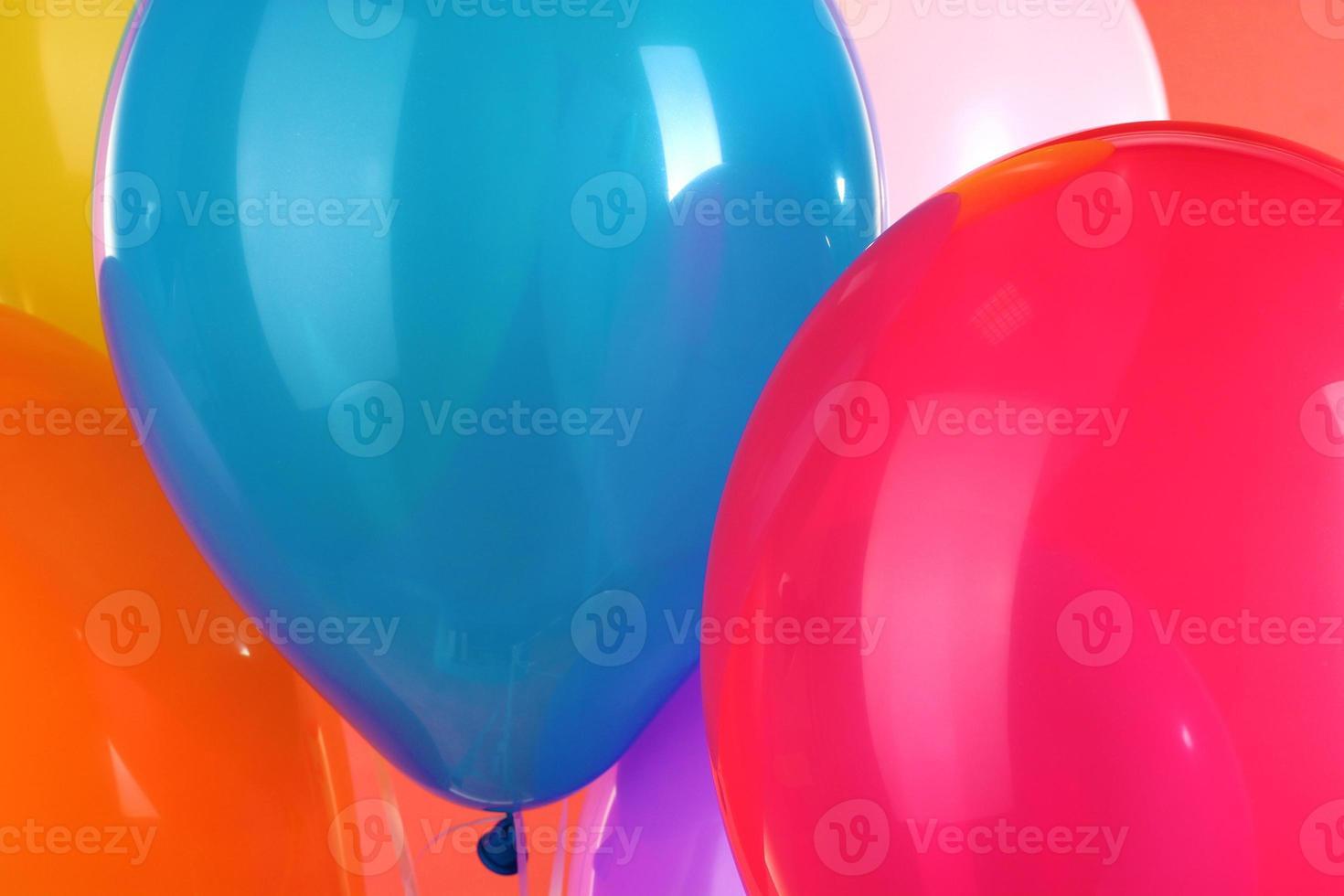close-up de balões coloridos foto