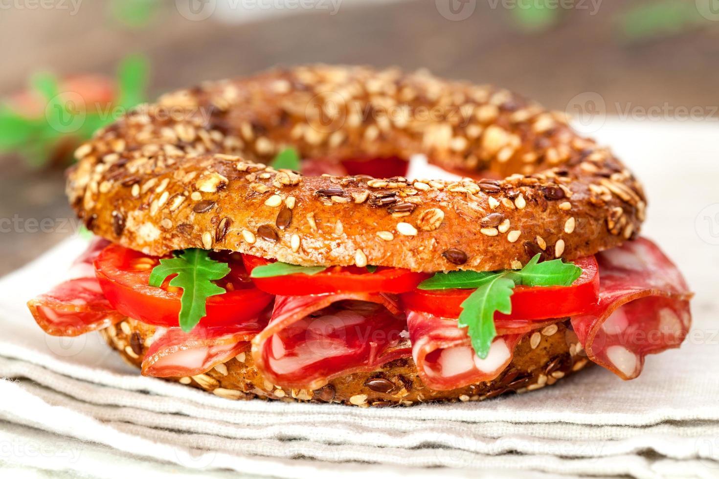 sanduíche de pãozinho close-up foto