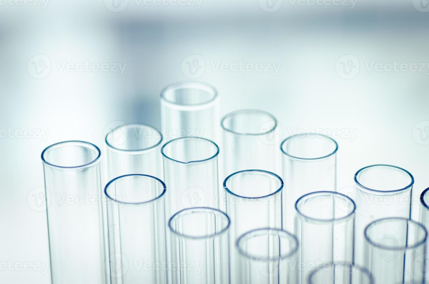 tubos de ensaio de laboratório, resumo de fundo de ciência foto