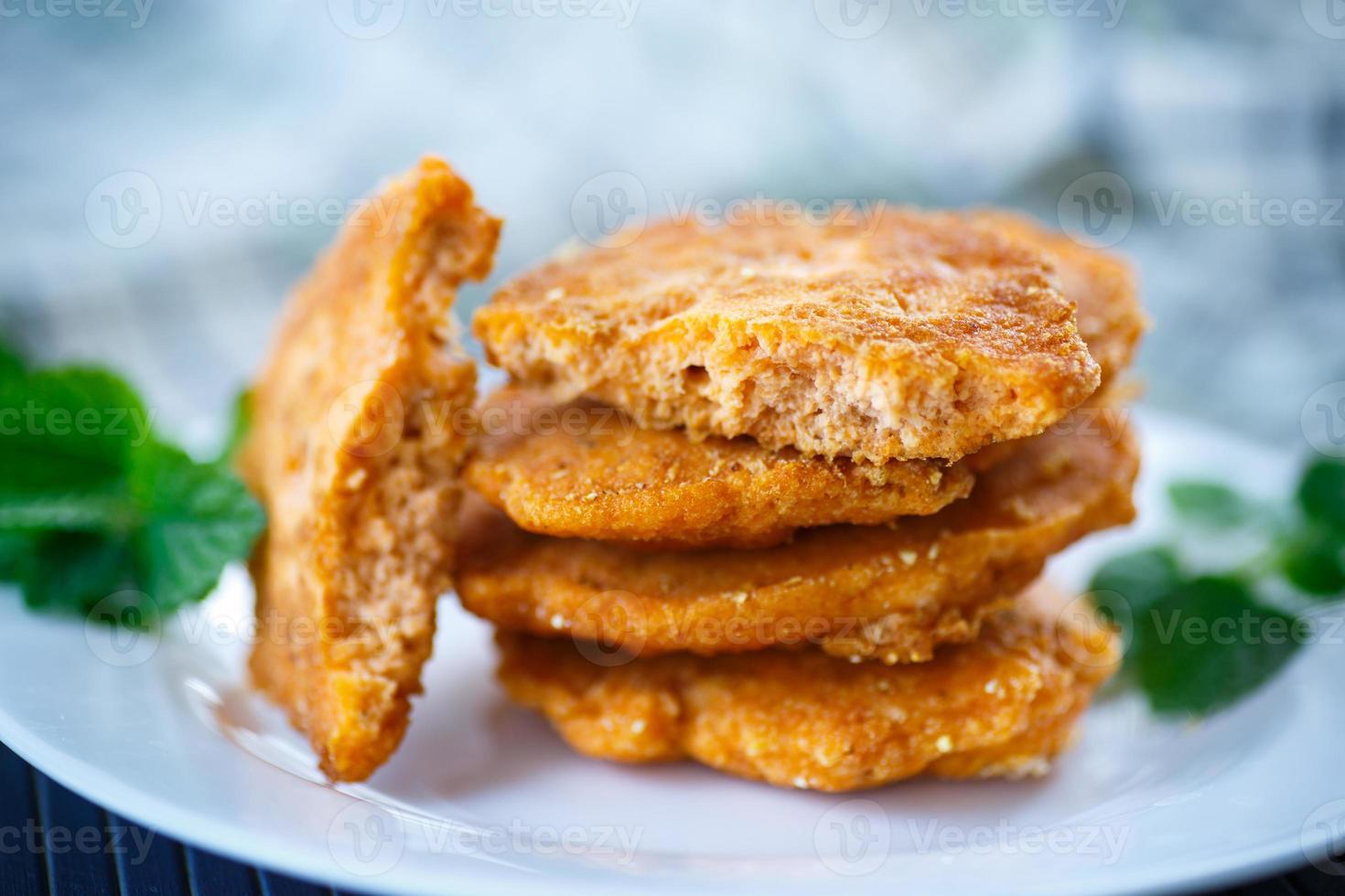 ovas de peixe frito foto
