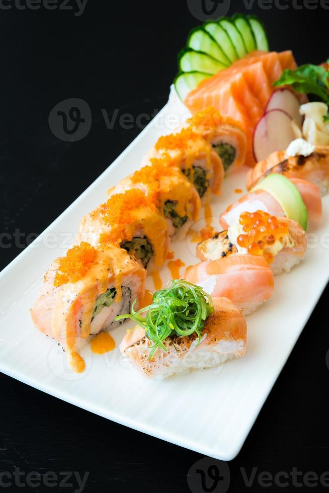 sushi de salmão foto