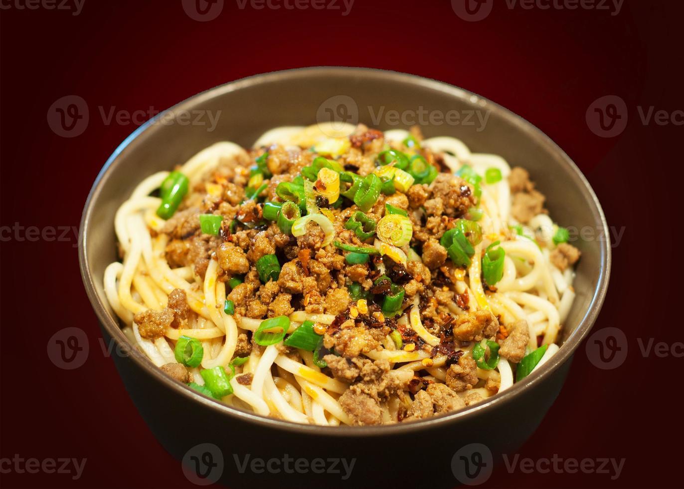 dan dan noodle foto