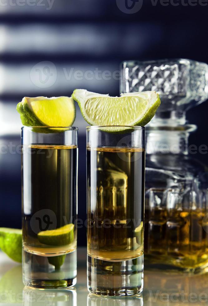tequila dourada foto