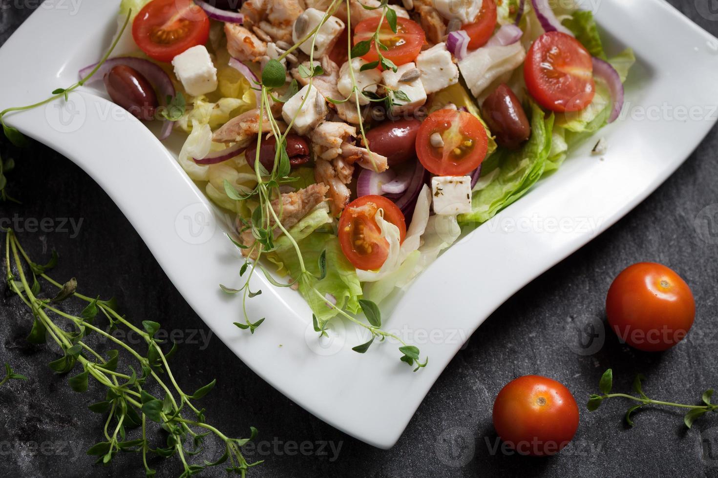 salada de frango fresco foto