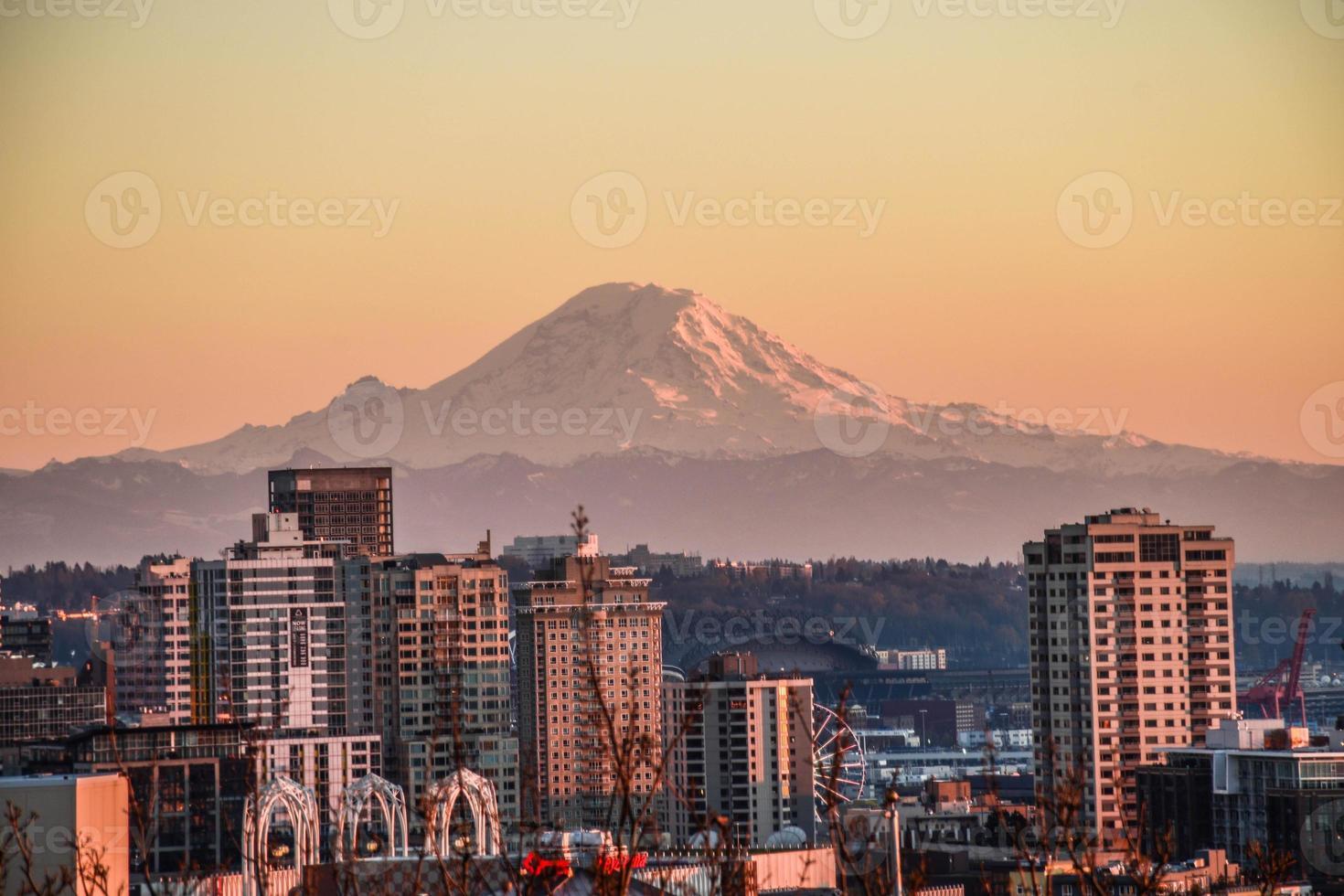 Seattle ao pôr do sol foto