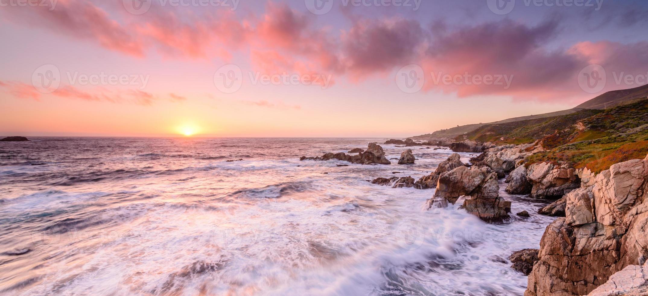 pôr do sol praia califórnia foto