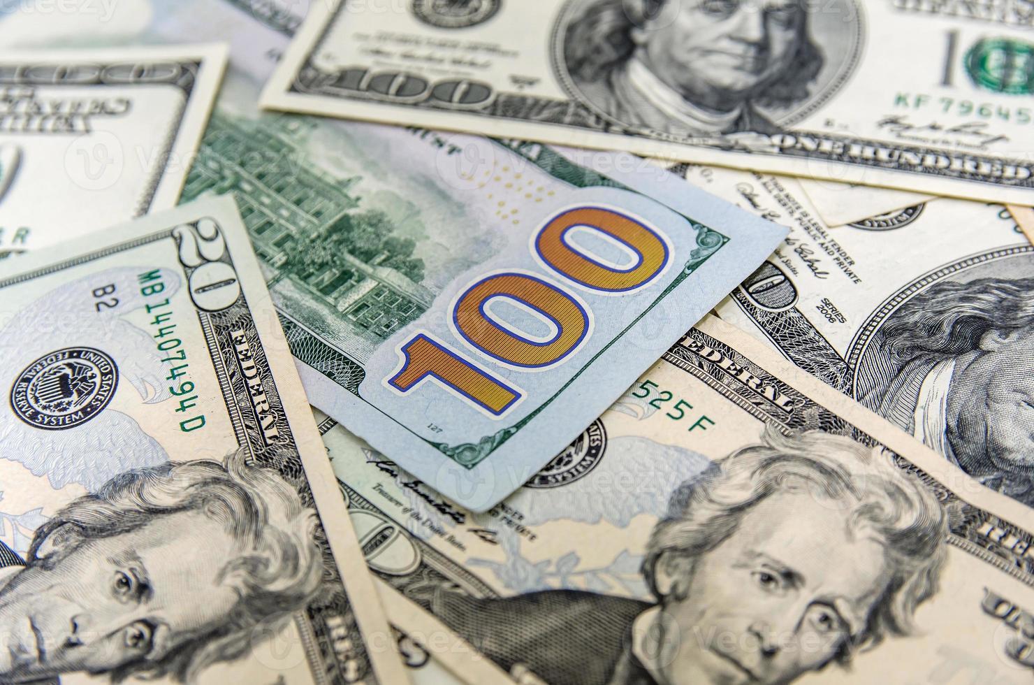 fundo com dinheiro dólares americanos foto