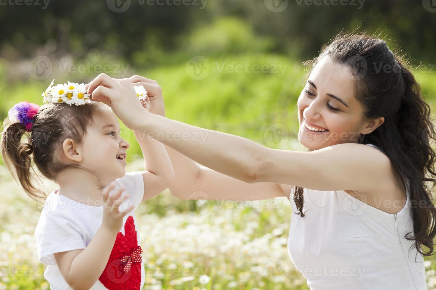 mãe e meninas foto