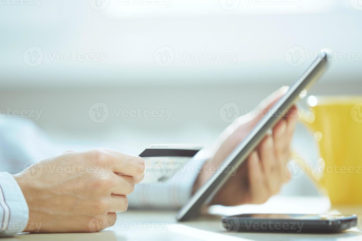 acesso a operações bancárias via Internet foto