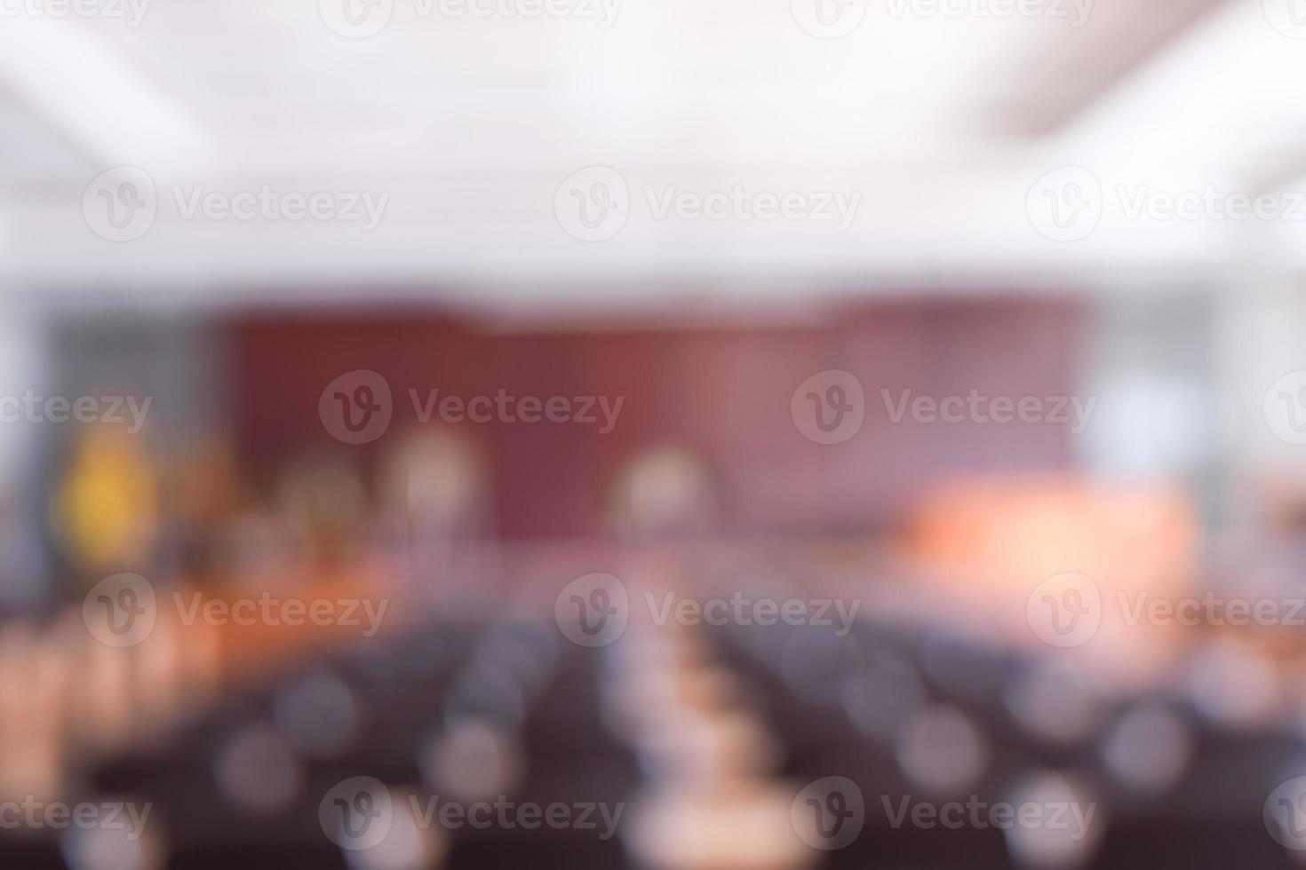 sala de conferências turva foto