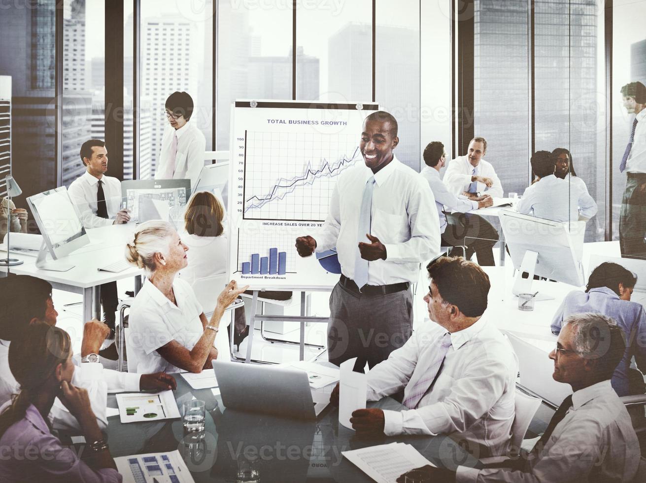 local de trabalho do escritório de pessoas de negócios do conceito de trabalho foto