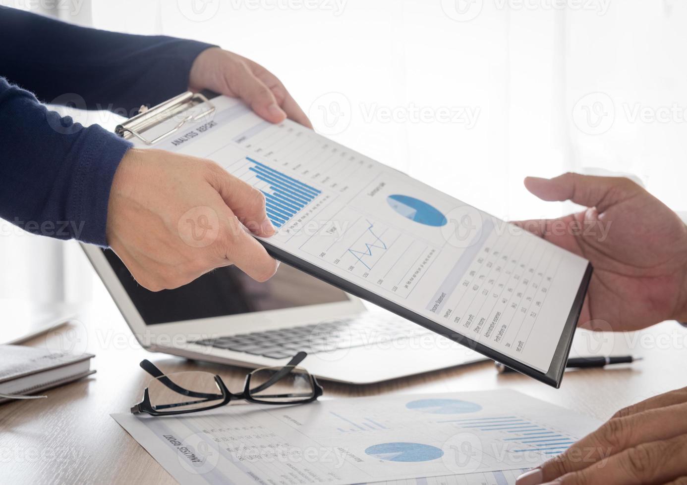 comercial e financeiro foto