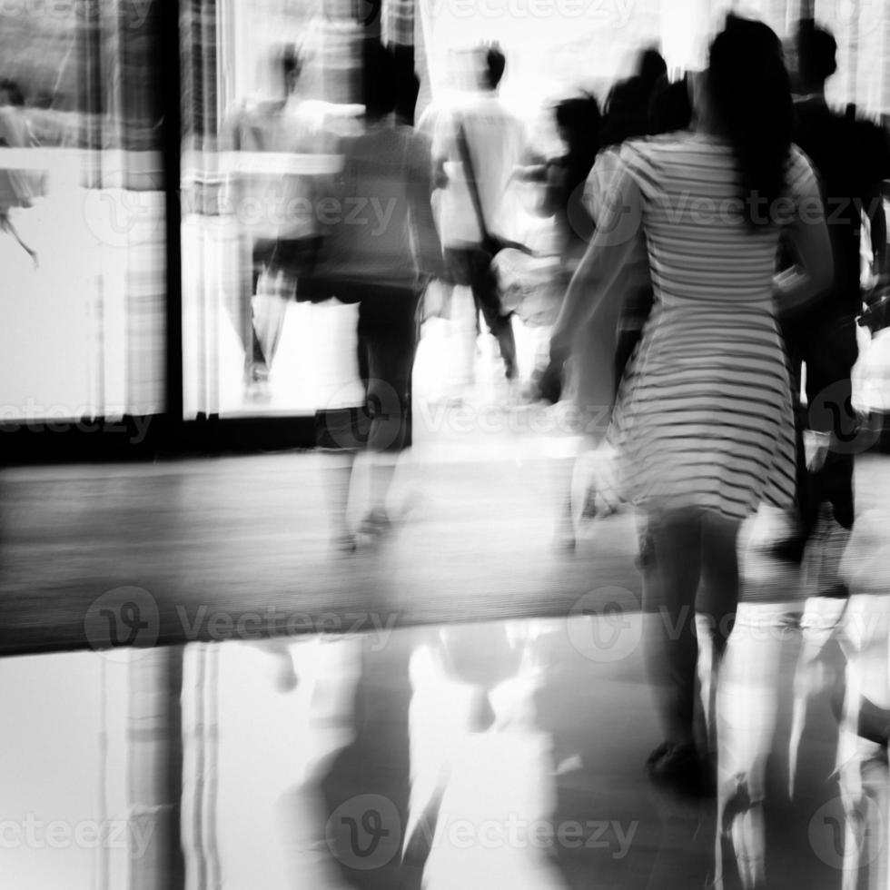 atividade de pessoas de negócios em pé e andando foto