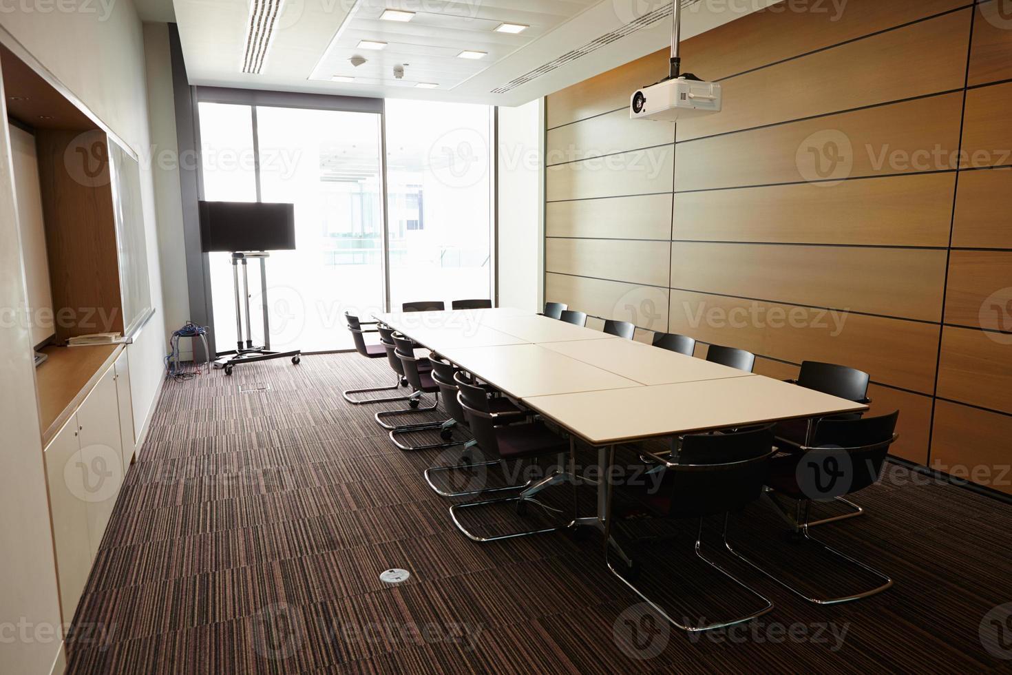 sala de reuniões de negócios sem pessoas foto