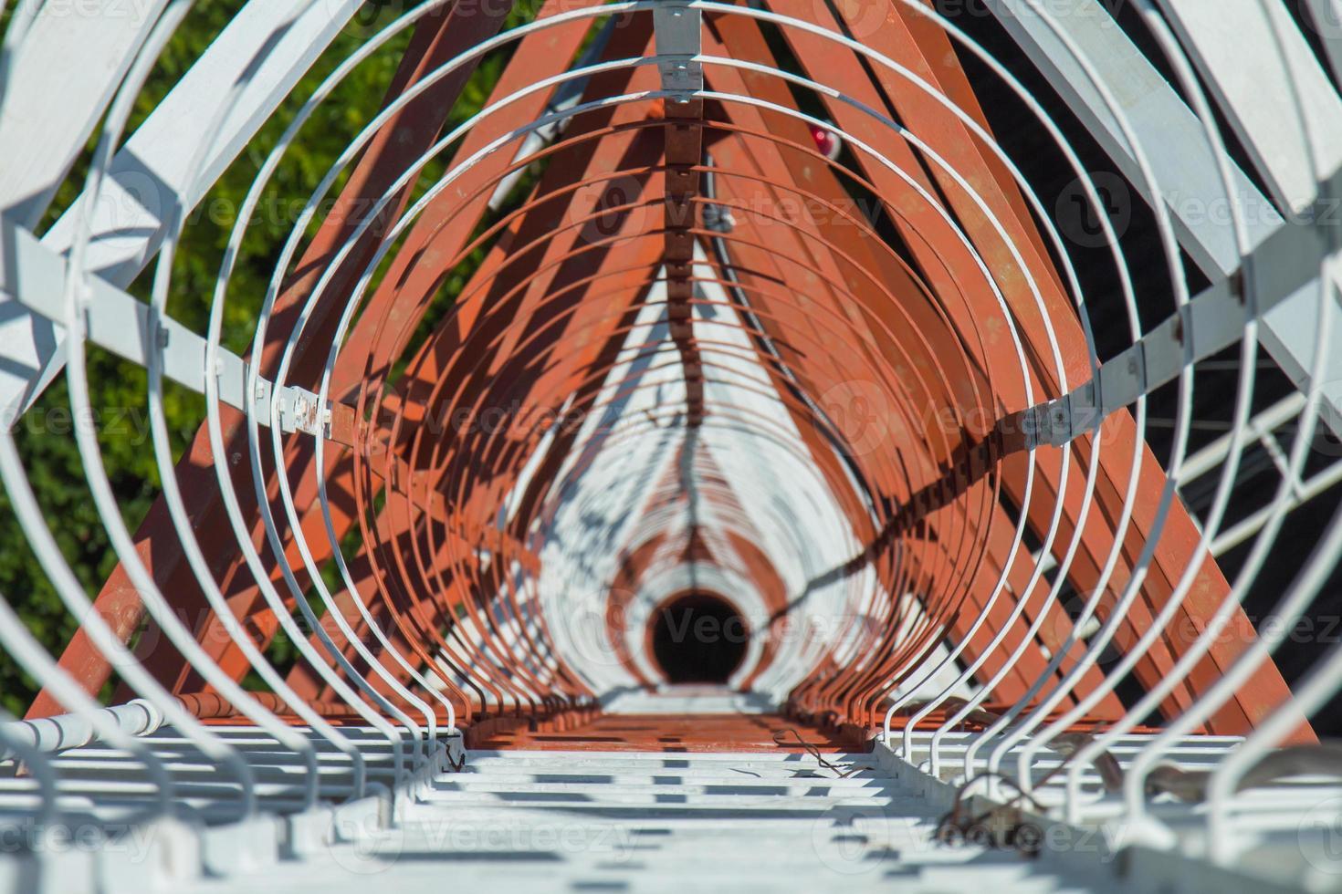 torre de comunicação de vista superior 73 metros foto