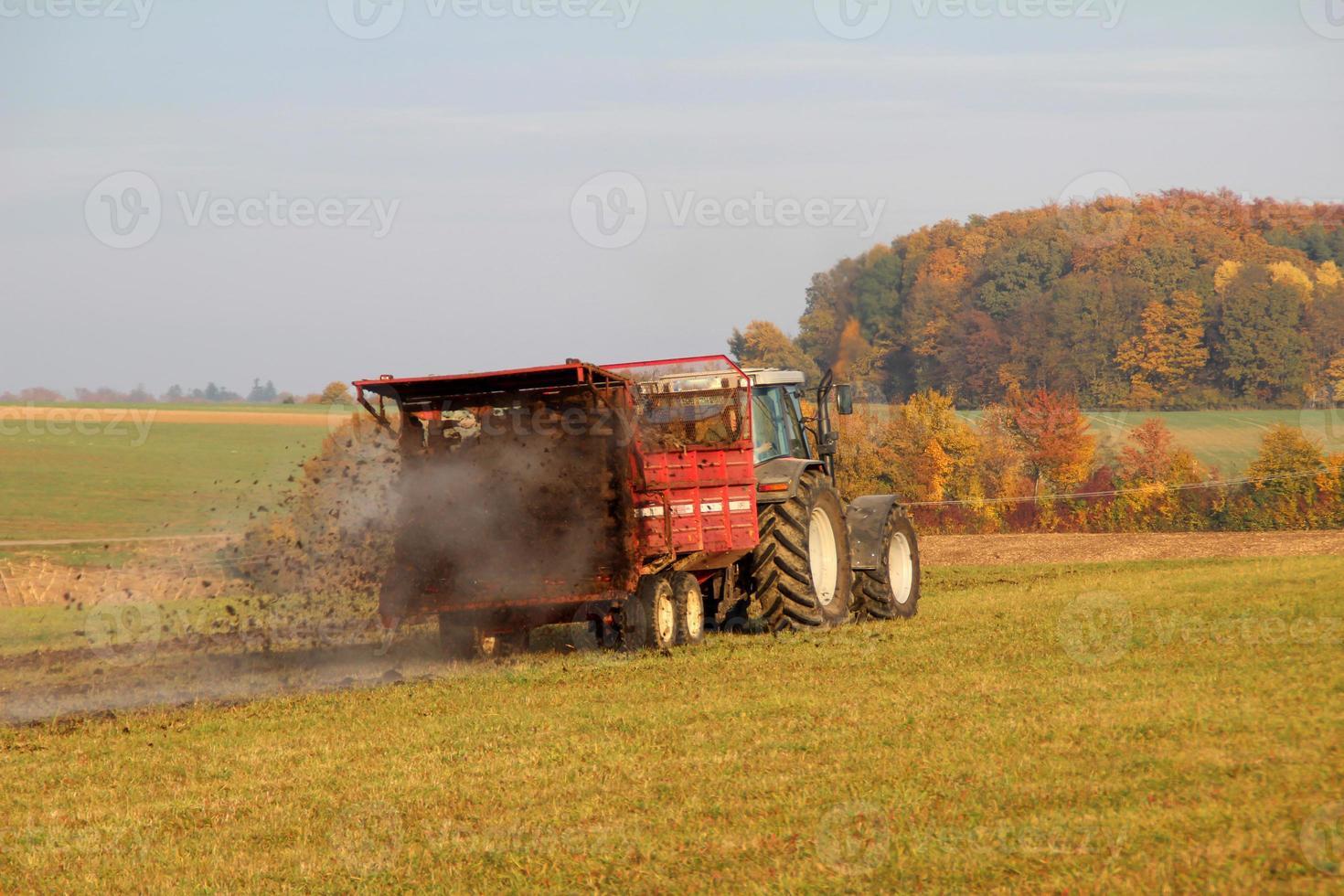 traktor bei der arbeit foto