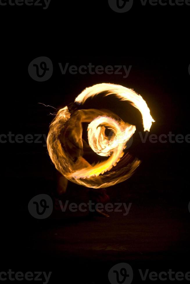 dança de fogo foto