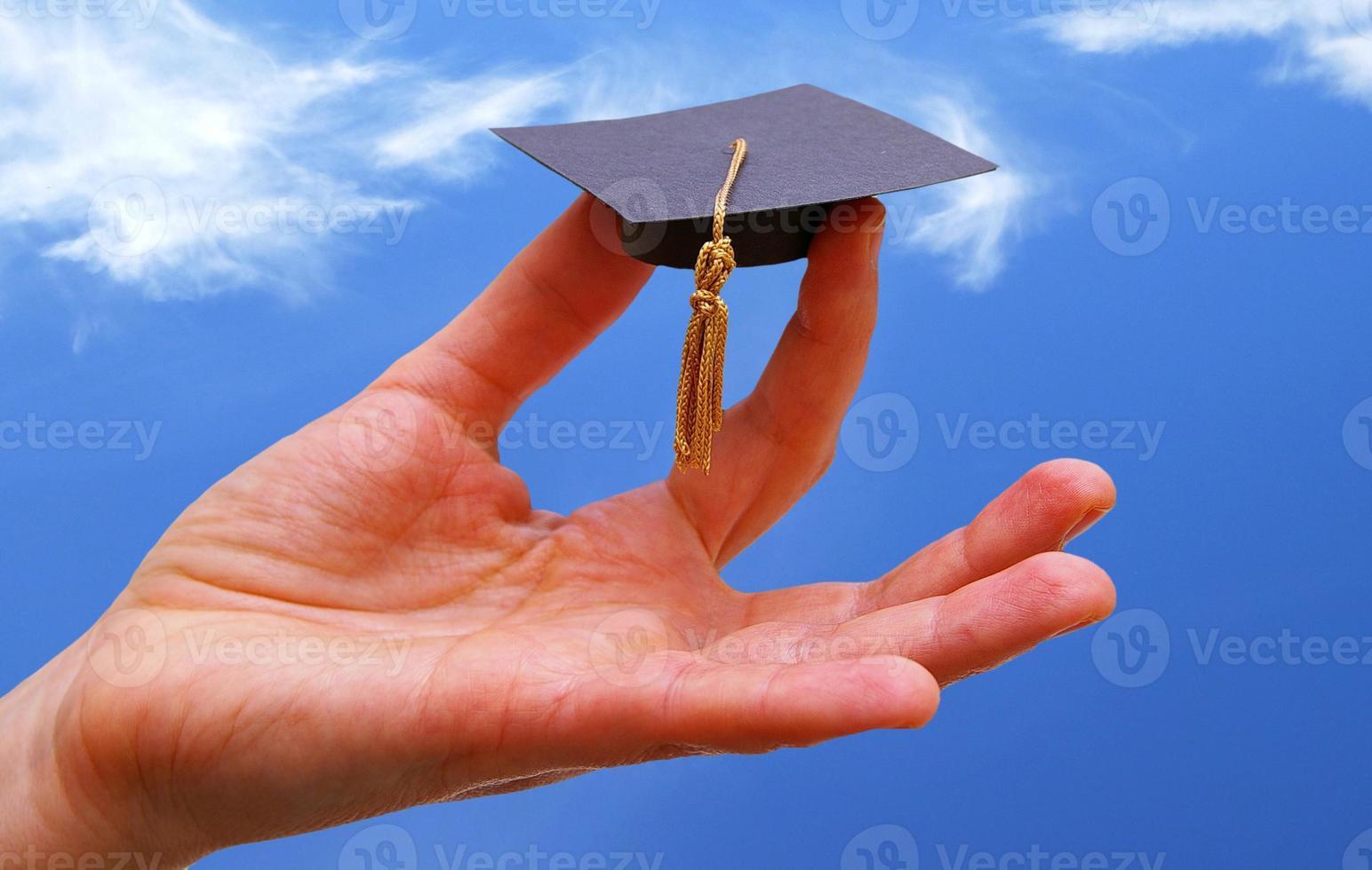 céu e tampão do graduado foto