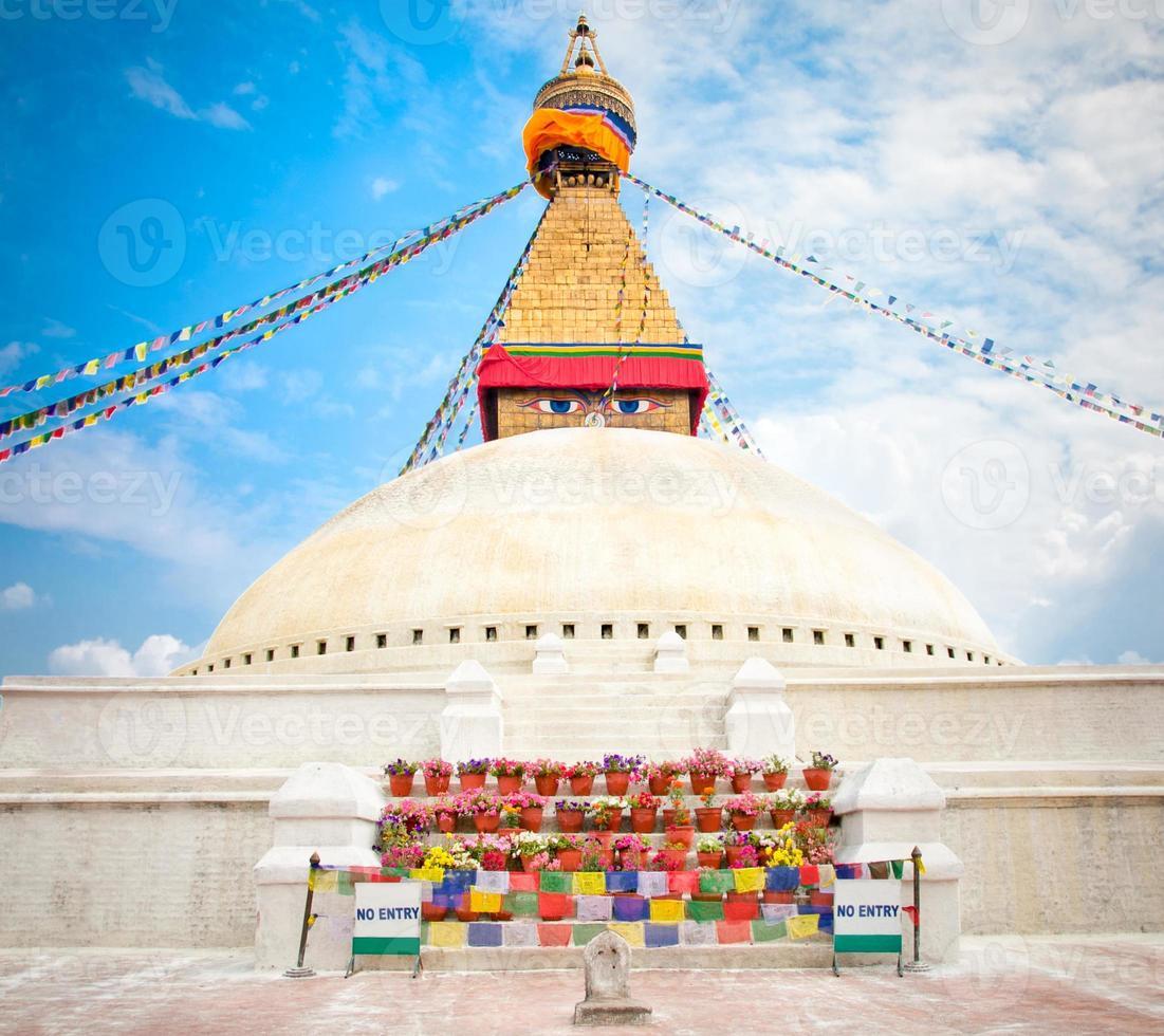 boudhanath ou bodnath stupa no nepal foto