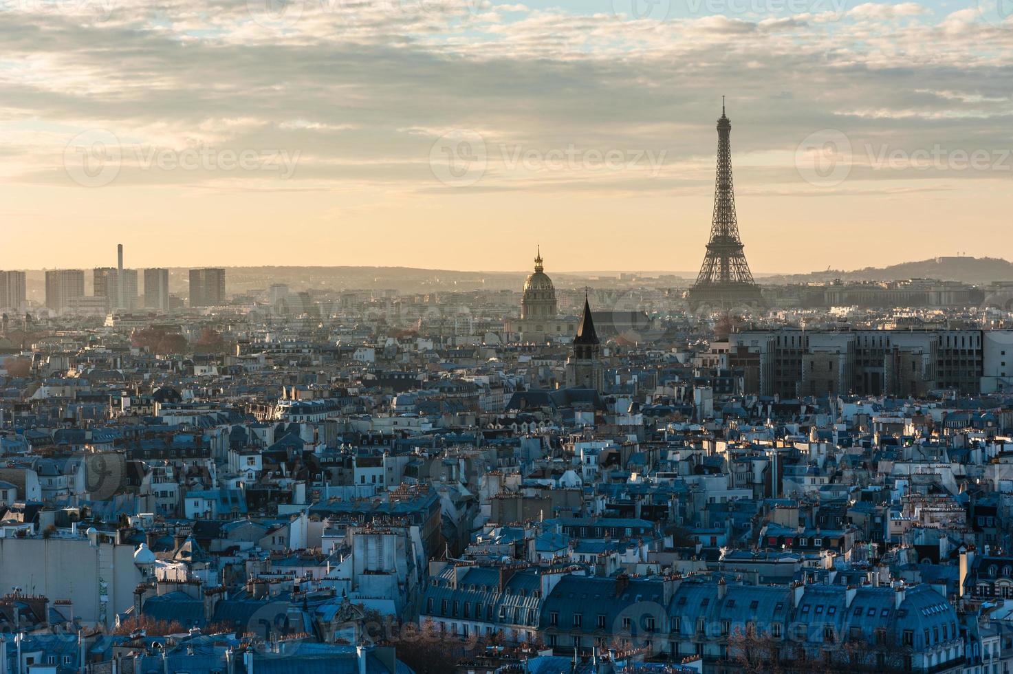 paris skyline torre eiffel pôr do sol foto