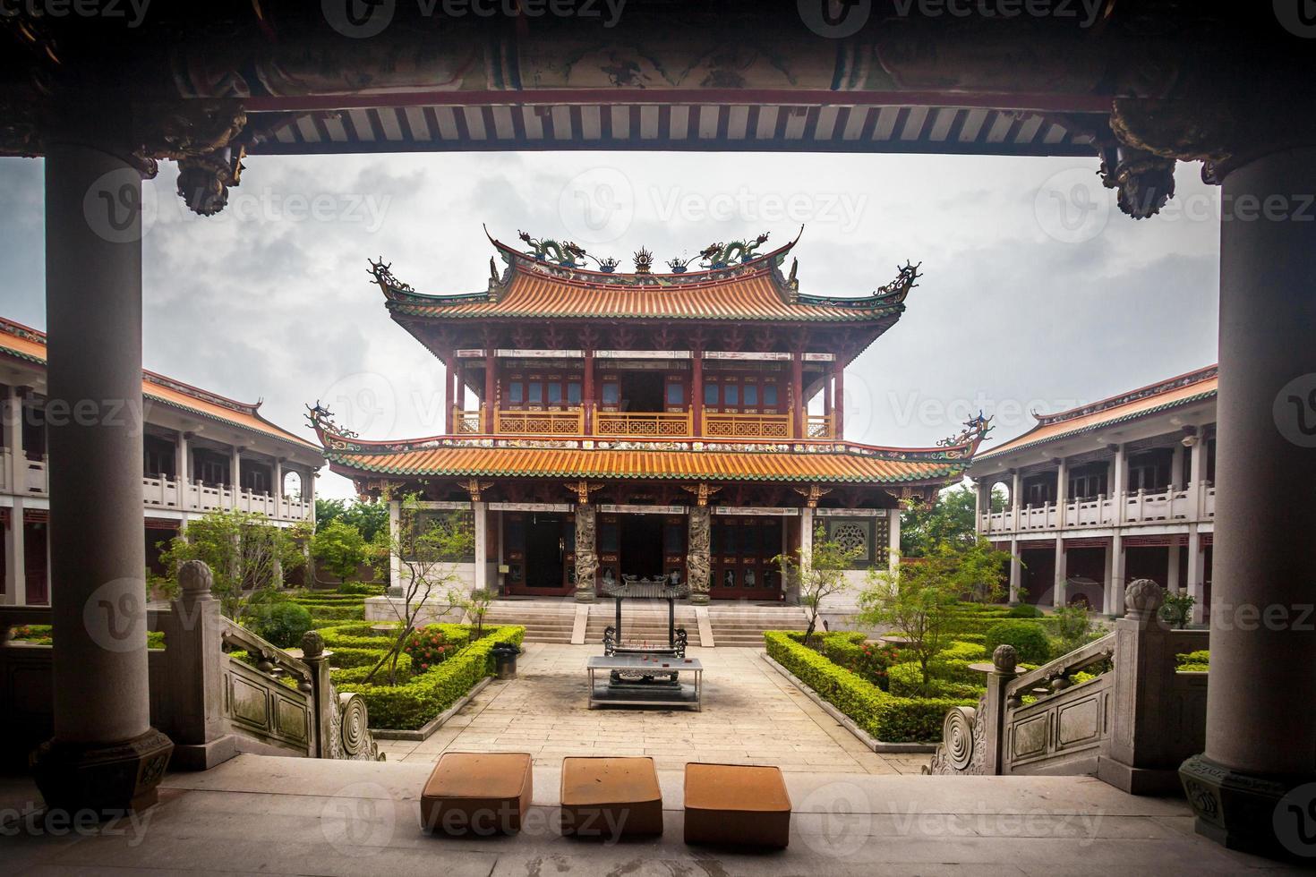 vila cultural em dia chuvoso, macau foto