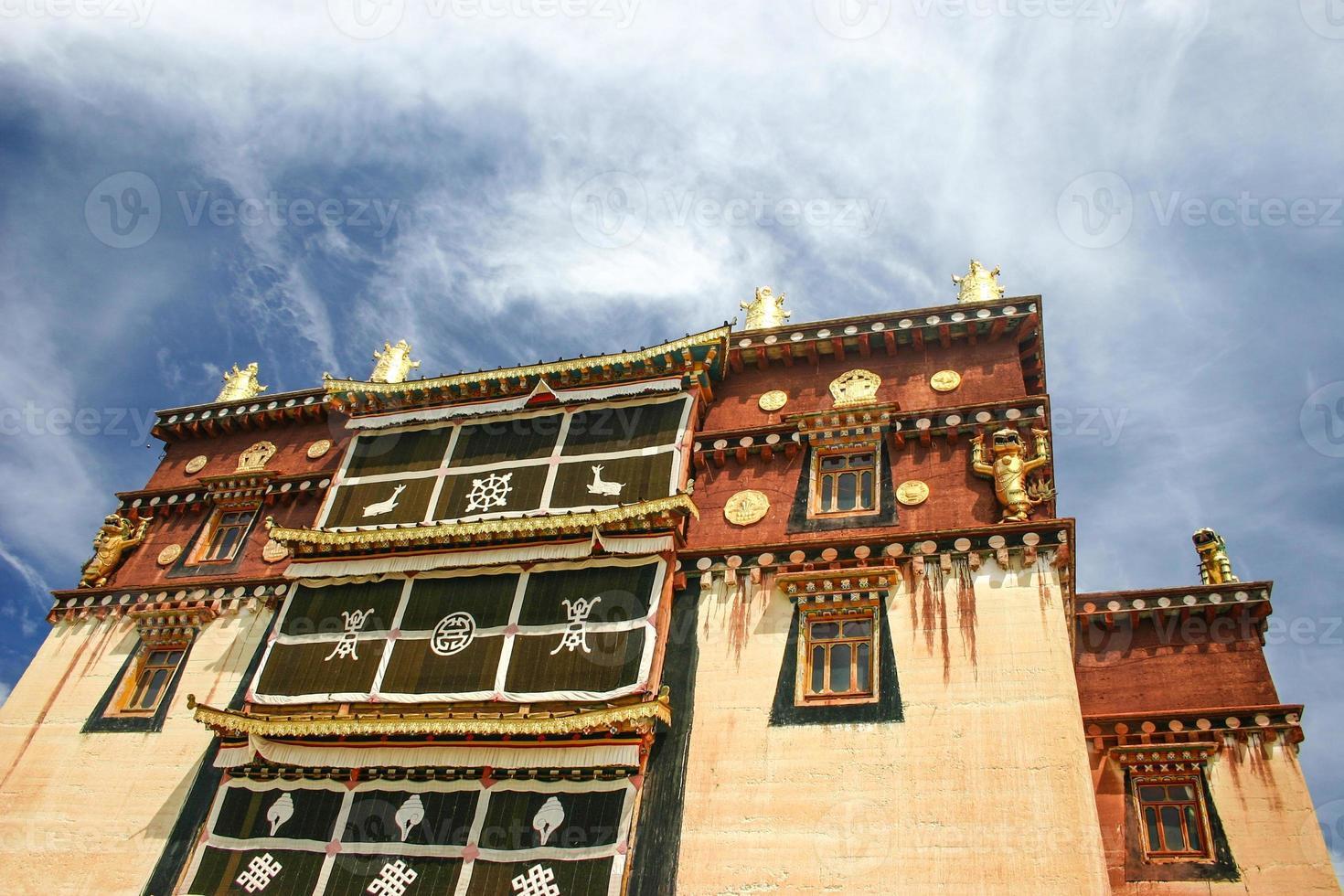 mosteiro tibetano, zhongdian, yunnan, china foto