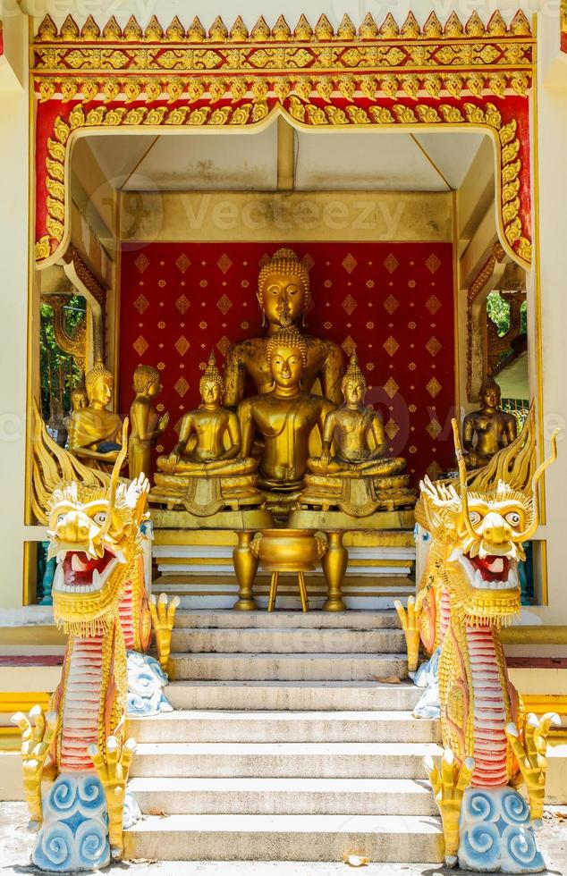 Buda no templo da Tailândia foto